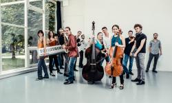 Obrázek k akci Two Pianos – Schallfeld Ensemble